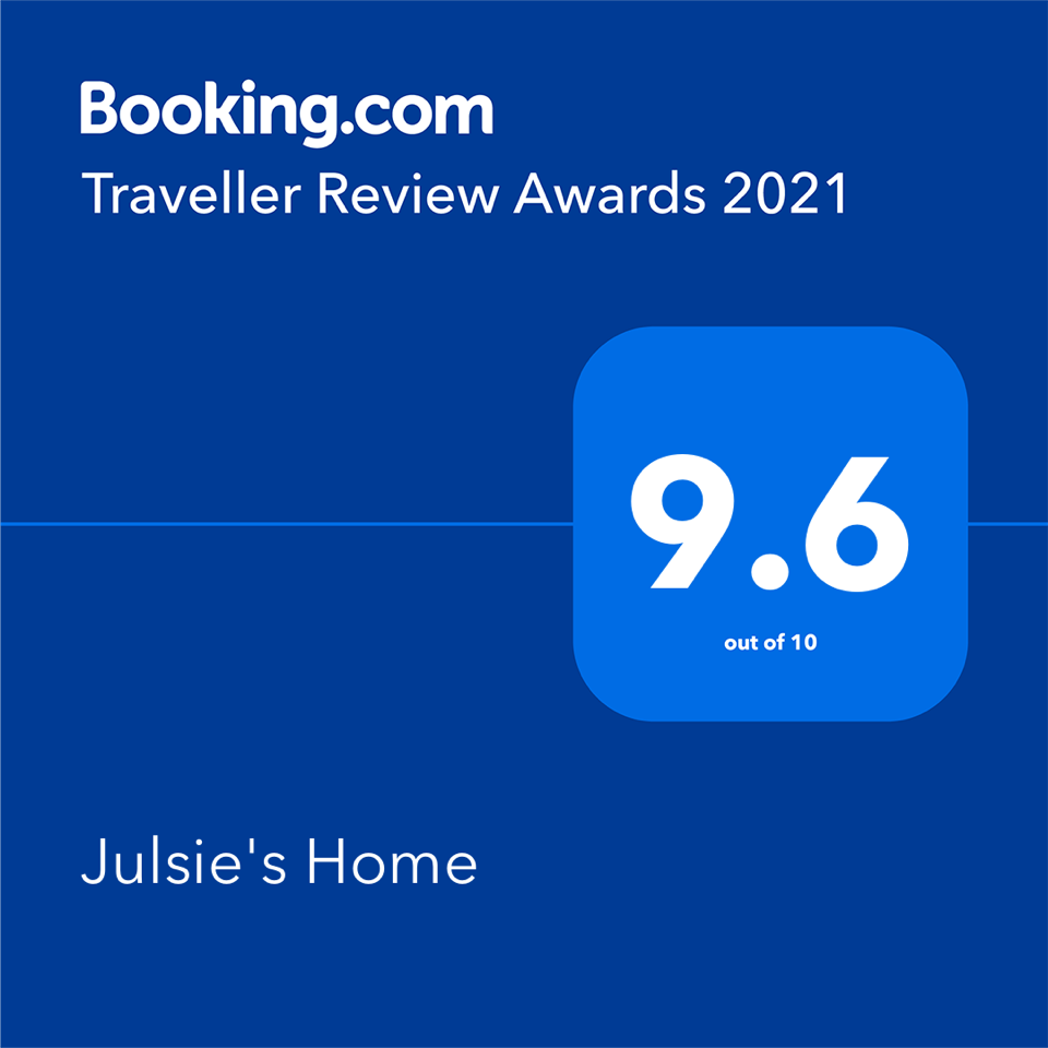 juslies_bookingsdotcom